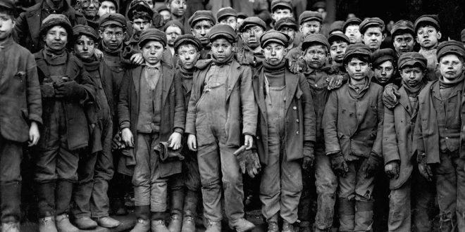 Αστικό κράτος και εργατική τάξη: Ο λαβύρινθος της χειραγώγησης και της καταστολής