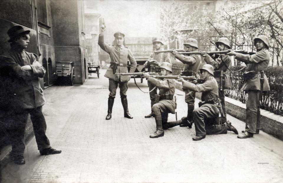 german-revolution-firing-squad