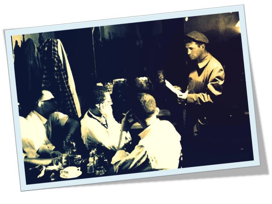 (Φωτο)1959: Νέα Υόρκη - O Jack Kerouac μιλάει στο Seven arts cafe