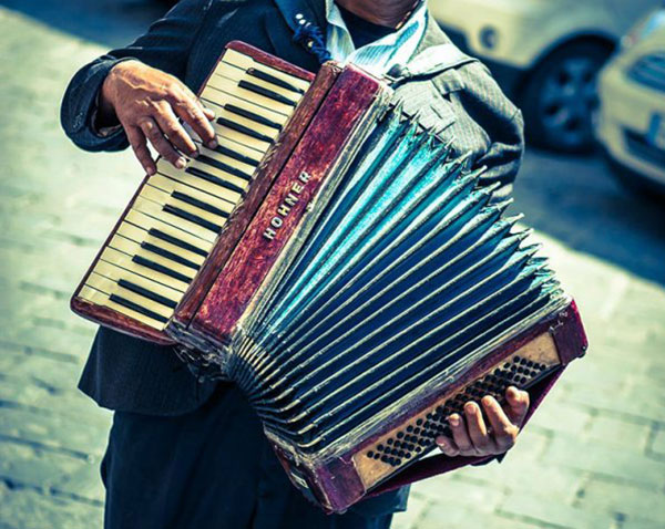 Beggar-accordion-1-1