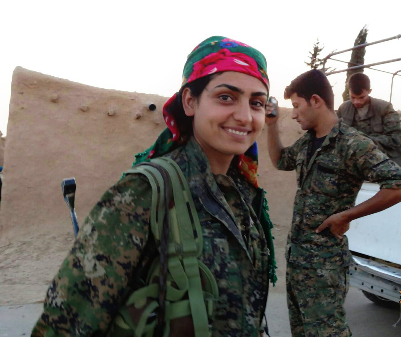 Kurdish-fighter-2
