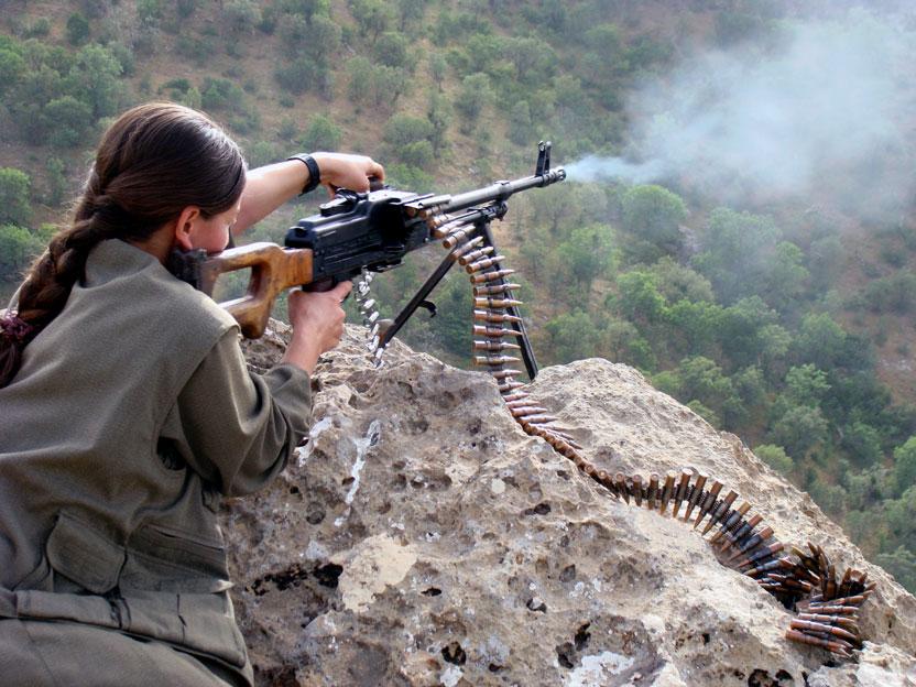 kurdish-woman-fighter-01
