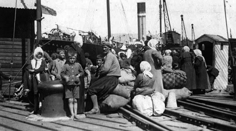 Η ΡΑΤΣΙΣΤΙΚΗ ΥΠΟΔΟΧΗ ΤΩΝ ΠΡΟΣΦΥΓΩΝ ΤΟΥ 1922 - inred.gr