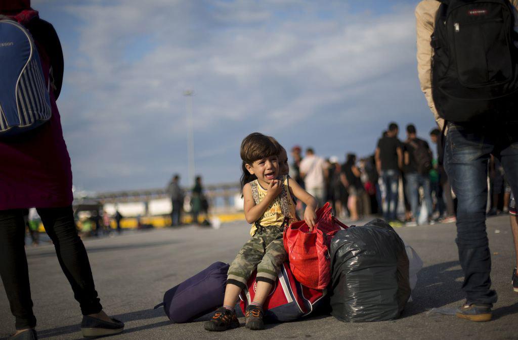 refugges-kid-piraeus