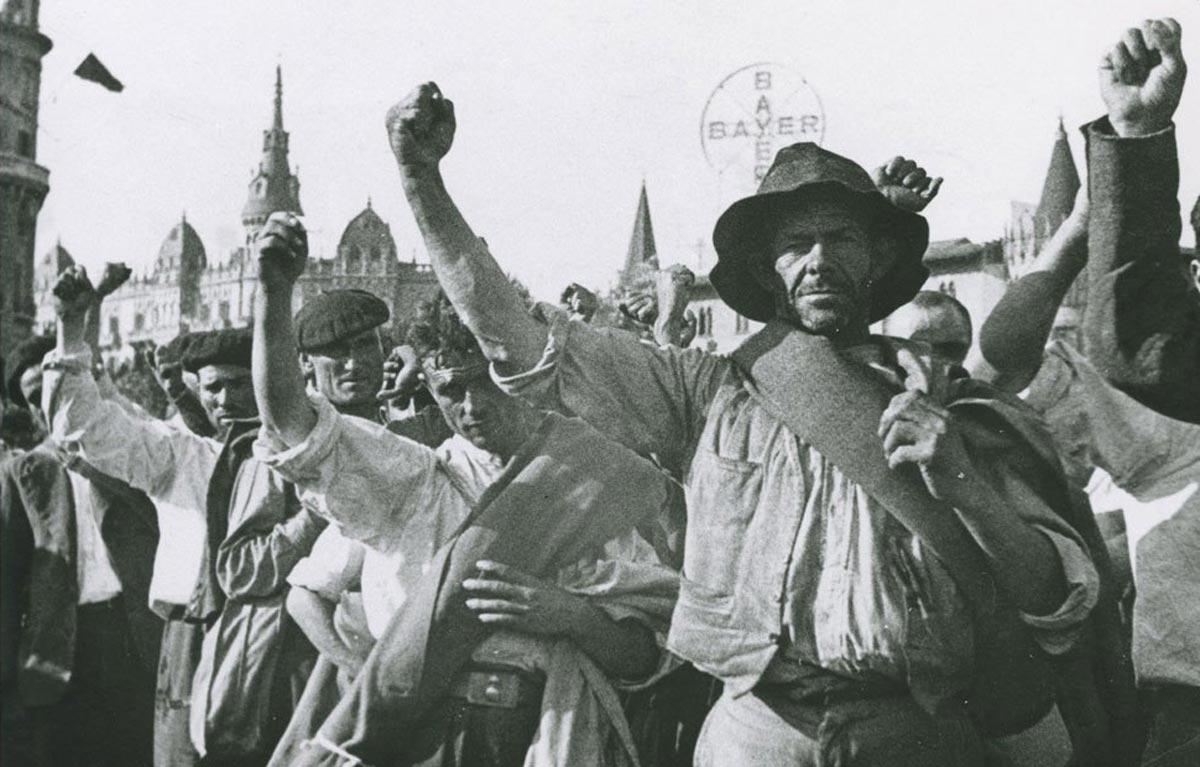 Spain-barricade-2